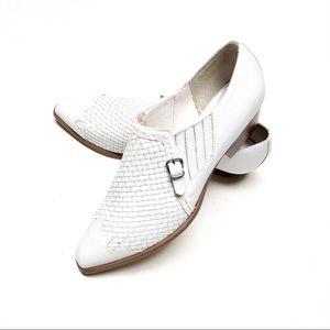 Vintage / Pina Colada / White Loafers / 8.5